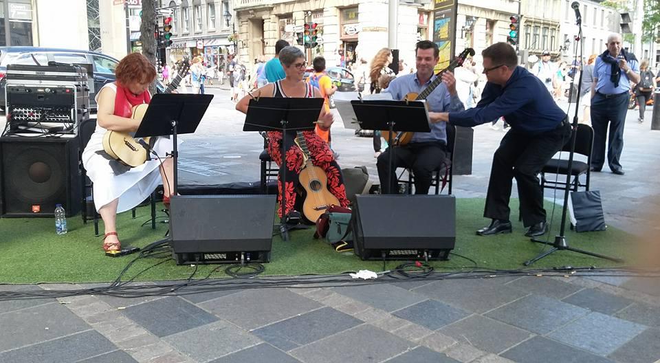 Trio Folia avec David Menzies et beaucoup de vent, Vieux Montréal, Canada